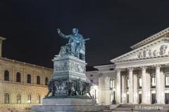 Hergenroether_Rainer_Muenchen-vor-der-Oper
